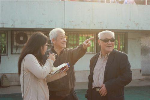 """""""指点江山""""的老教授"""