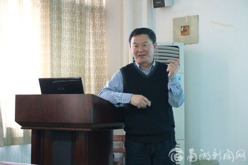 <b>黑龙江八一农垦大学校长秦智伟来校做学术交流</b>