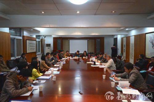 副校长张献龙参加第7小组讨论