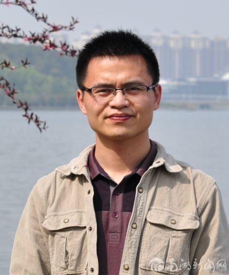 """三位青年教师获学校""""杰青培植计划""""项目资助"""