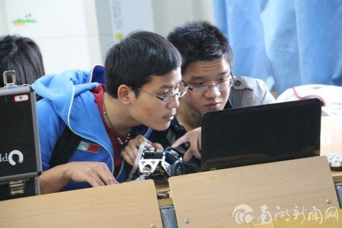 图3:自动化专业实践技能竞赛培训现场