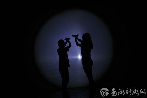 爱心协会节目《光与影》