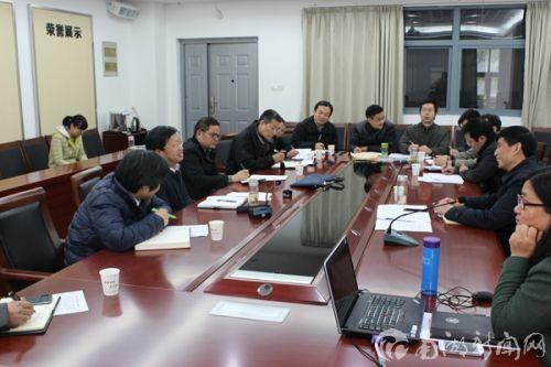 邓秀新在马克思主义学院、外国语学院、理学院、信息学院调研教育教学工作