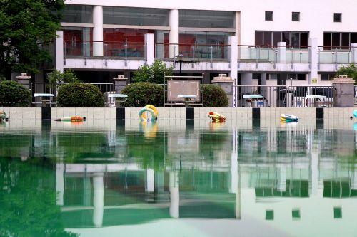 时刻准备着的游泳圈 (2)