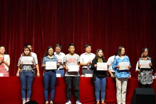 少数民族优秀学生代表(王欣宇)