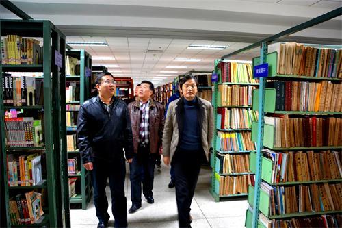 保卫处对图书馆进行消防安全检查