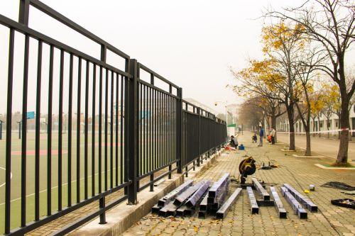 栏杆焕然一新
