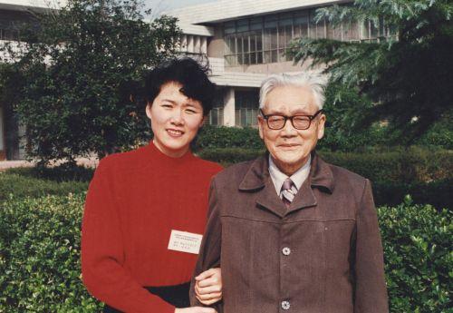 张老师照片3