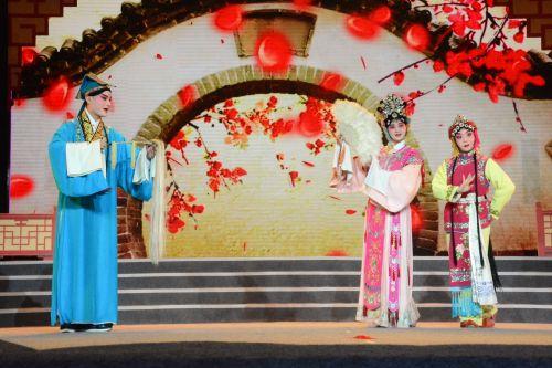 湖北省校园戏曲展演在我校举行