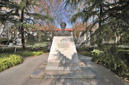 华中农业大学主楼素描-文 狮子山下,华农地标哪个最具人气图片