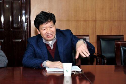 邓秀新参加计财处党支部理论学习活动