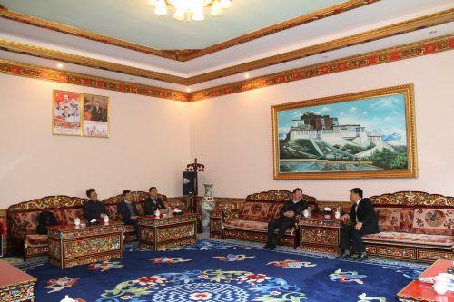 李名家副书记与西藏农牧学院高学院长座谈
