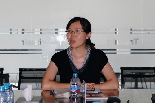 上海金山区团委书记发言 李明霞摄