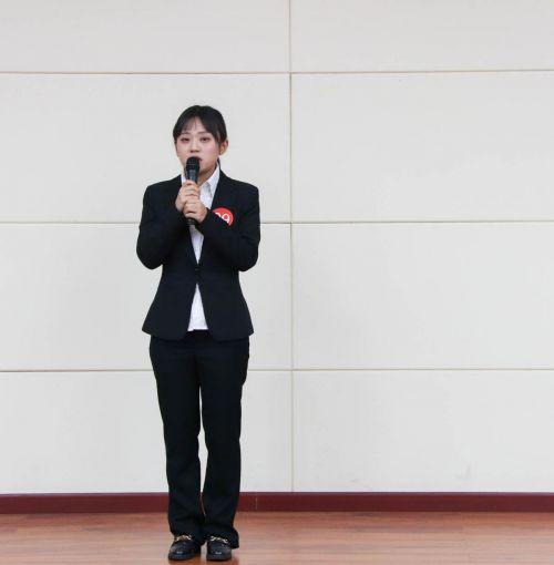 选手6 学通社记者斯叶尔孙楠楠摄