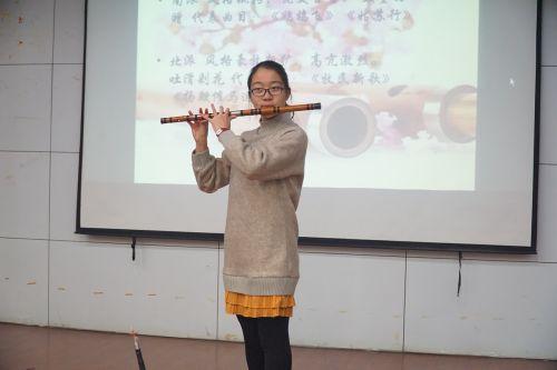 嘉宾刘睿表演吹笛