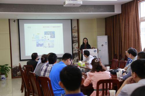 清华大学李艳梅教授谈高等教育改革趋势2-摄影:乔娟