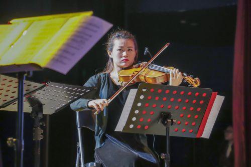 小提琴演奏者 学通社记者冯芷阳摄-2