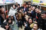 600名老师进宿舍看望返校同学共话新年奋斗