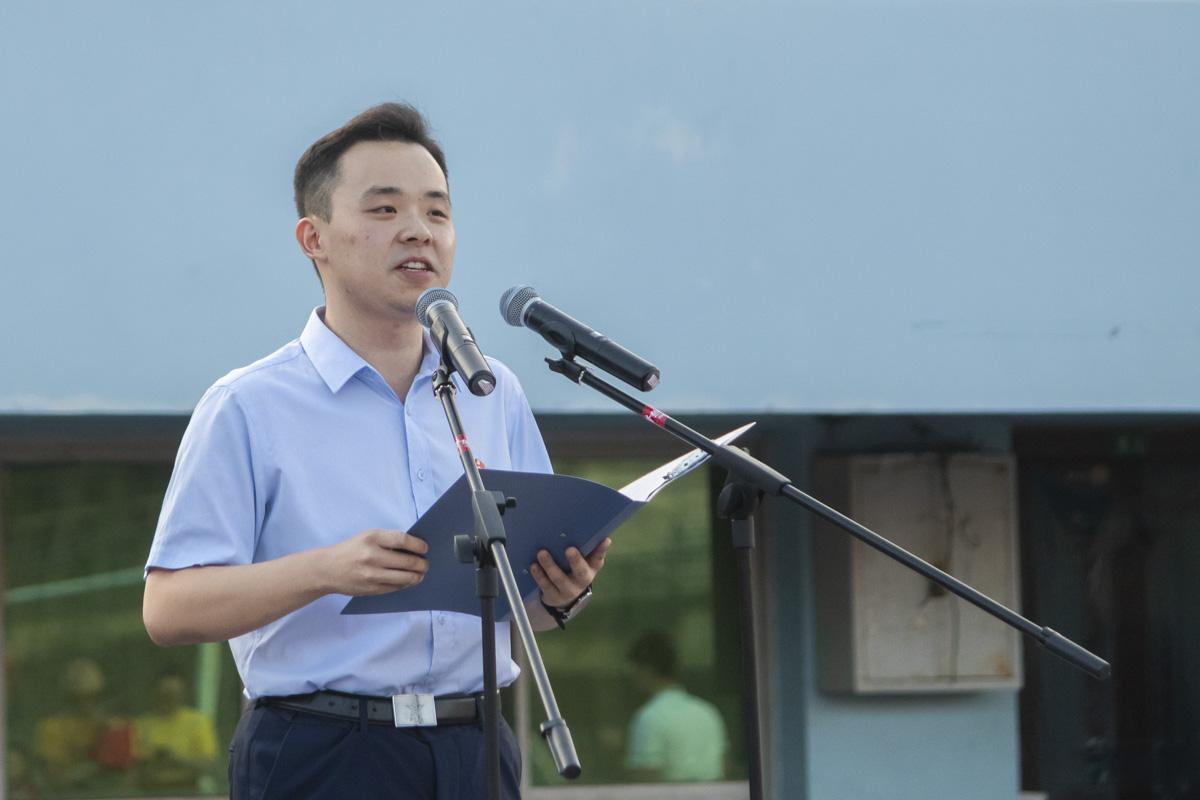 食科院17级学生李虎发表国旗下讲话【学通社记者 章洁瑜 摄】