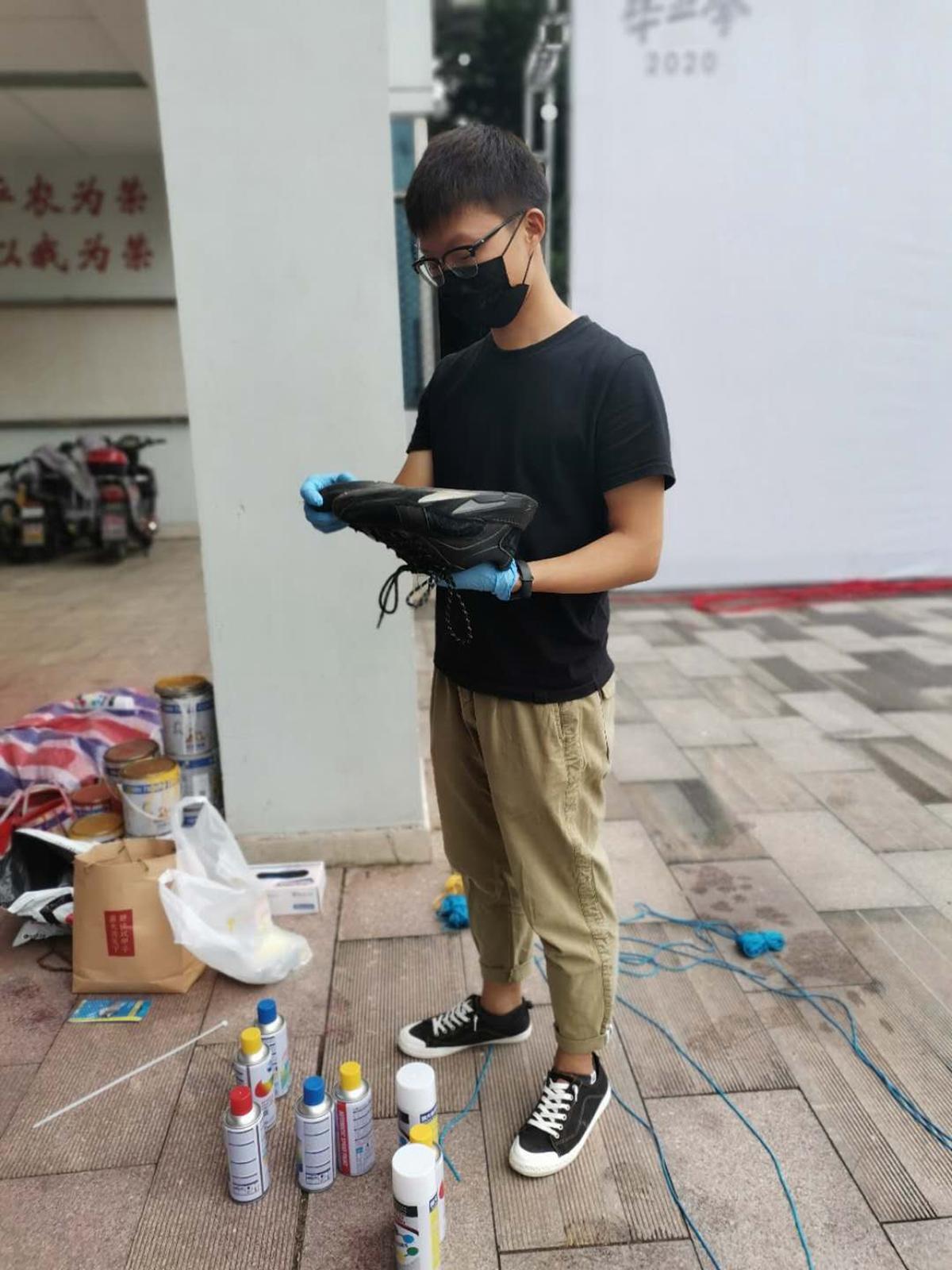 张朋飞和他的黑色运动鞋