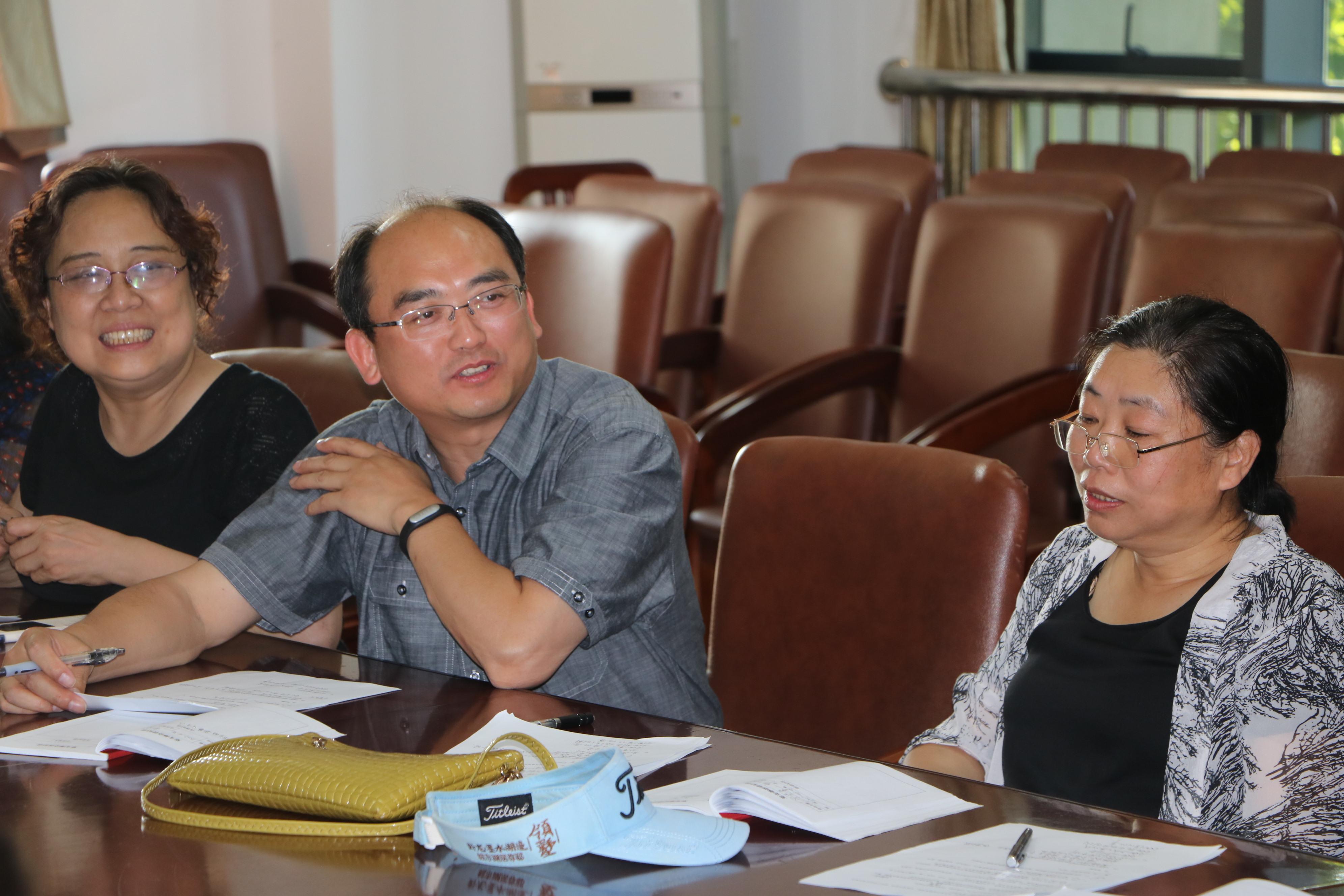 孙明带领支部成员和学生党支部开展联合主题党日活动