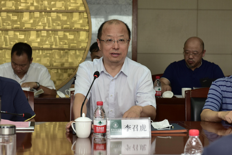 校长李召虎讲话(记者 刘涛 摄)