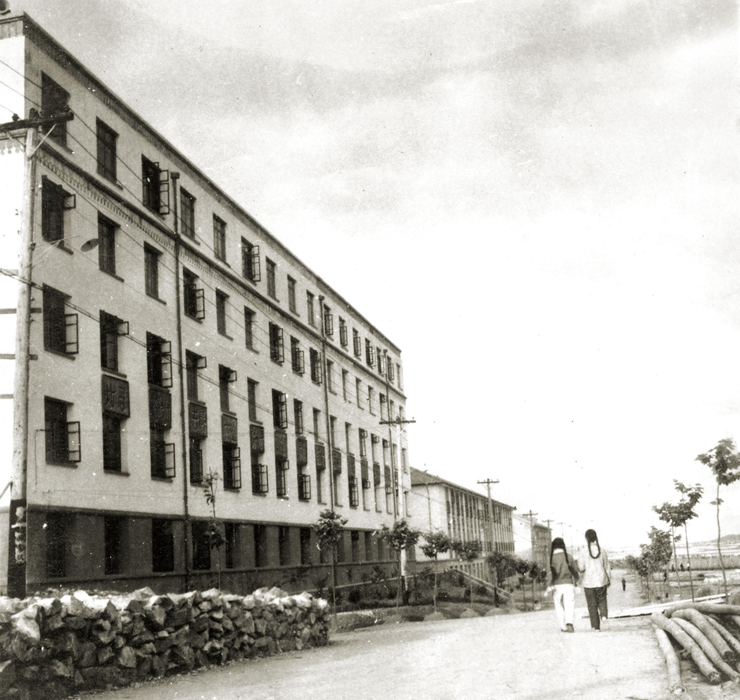 160-09已经建成的土化楼