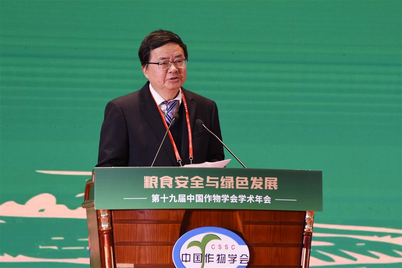 湖北省科学技术协会主席郭生练致欢迎辞(记者 蒋朝常 摄)