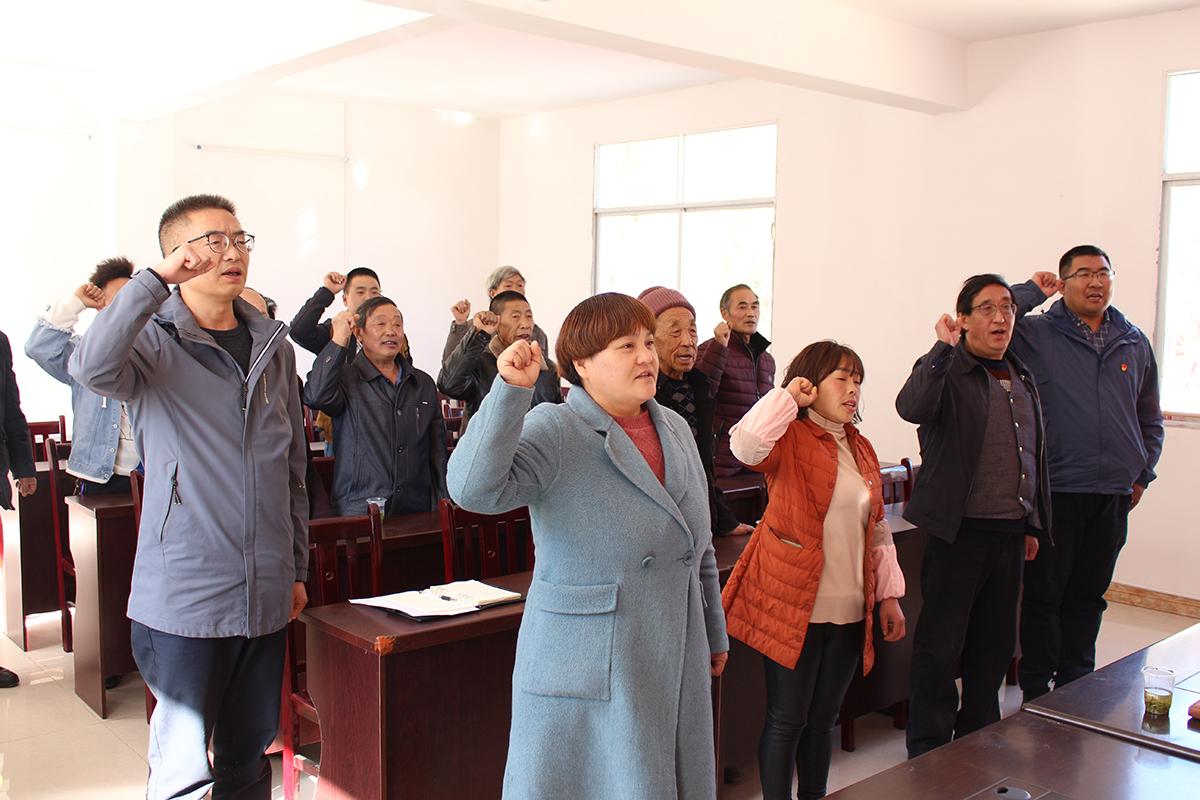 党员代表参加五抱树村主题党日活动
