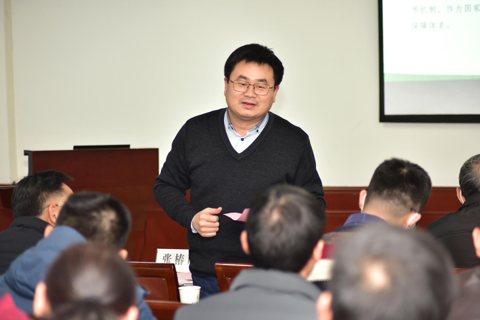 周雄讲话(记者 刘涛 摄)