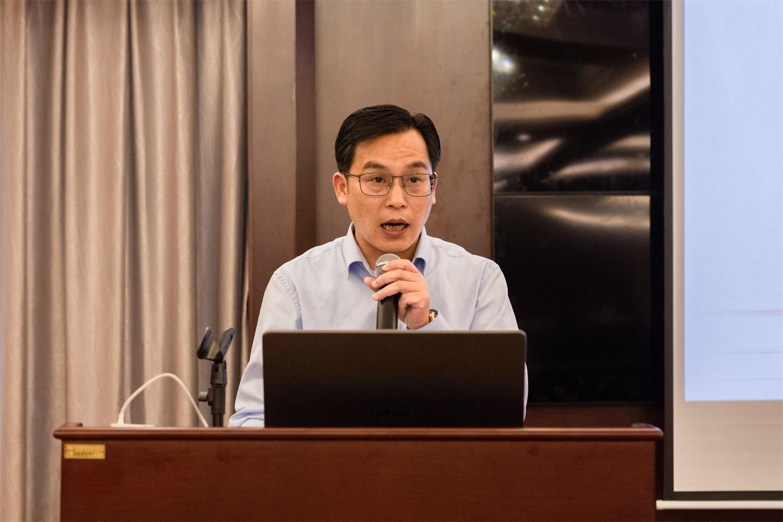 神龙架国家公园管理局党委常委、党委副书记、副局长柳建雄致辞