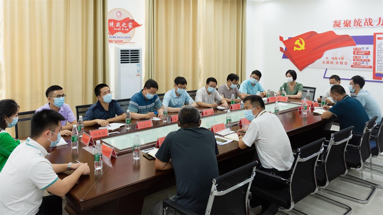 在荆门市东宝区牌楼镇来龙村举行服务乡村振兴示范点校地共建座谈会