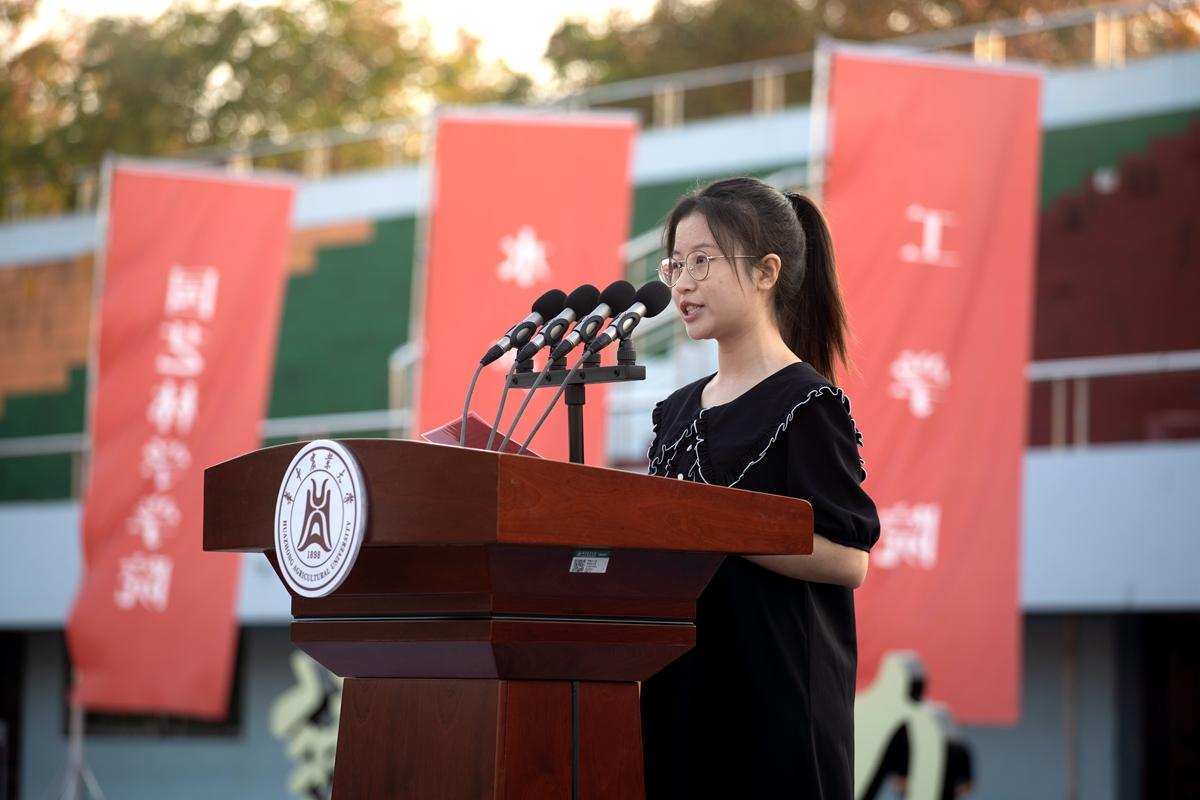 学生代表1(学通社记者 刘博文 摄)_副本