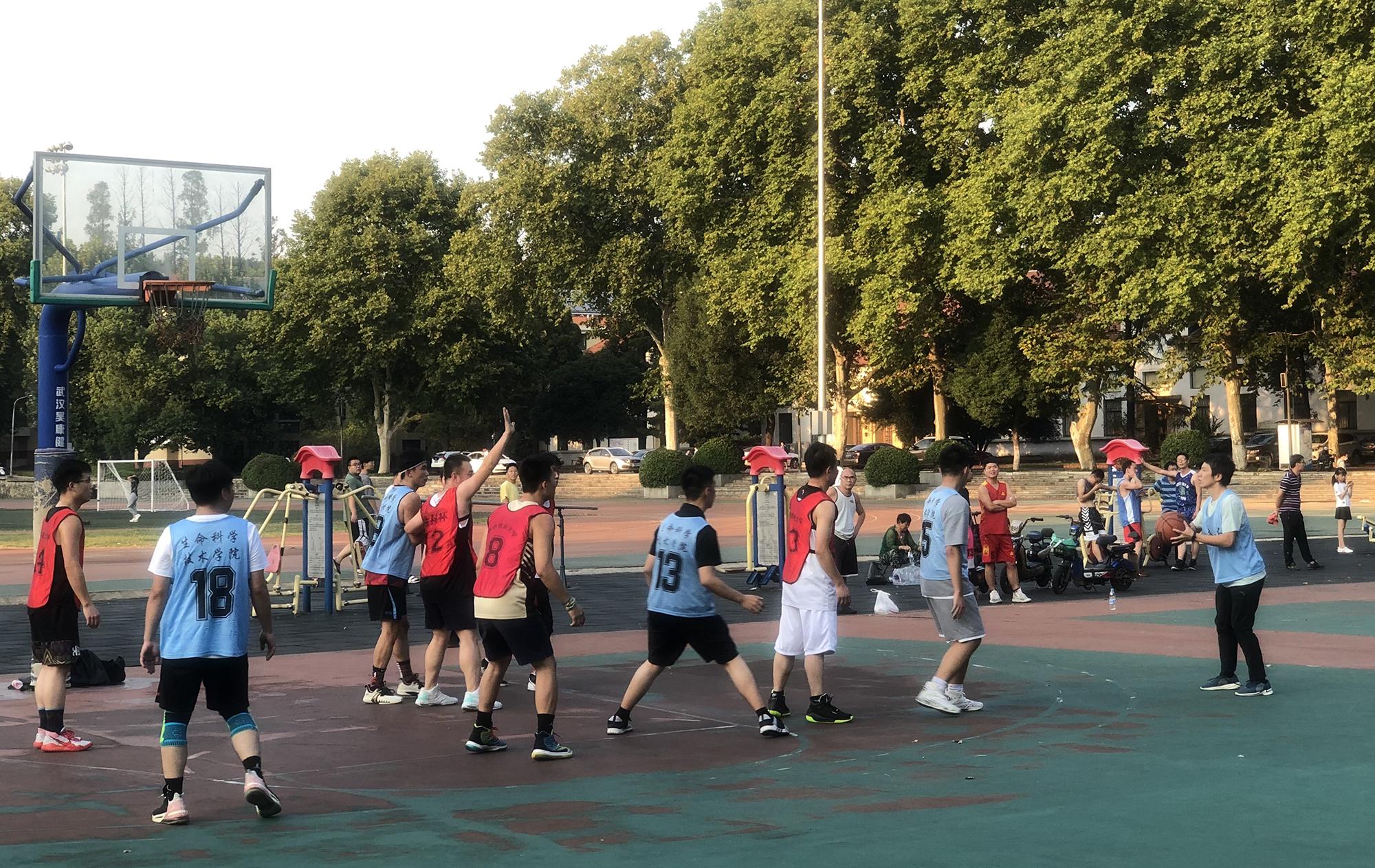 篮球赛现场