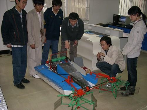 我校学子参加大学生机械创新设计大赛