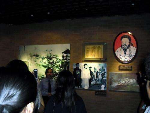 我校学工处组织百余同学参观武汉禁毒教育中心